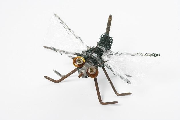 #Insekt af ståltråd, søm og #skruer. #FørstehjælpTilFantasien