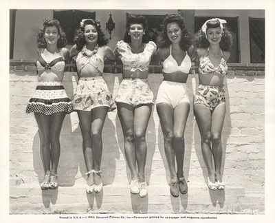 Oldies style, love.: Vintage Swimsuits, Beaches, Girls, Style, Bikinis, Vintage Bath Suits, Vintage Beautiful, Bath Beautiful, 1950