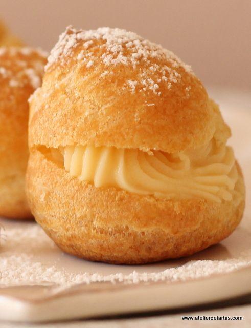 Profiteroles con crema pastelera