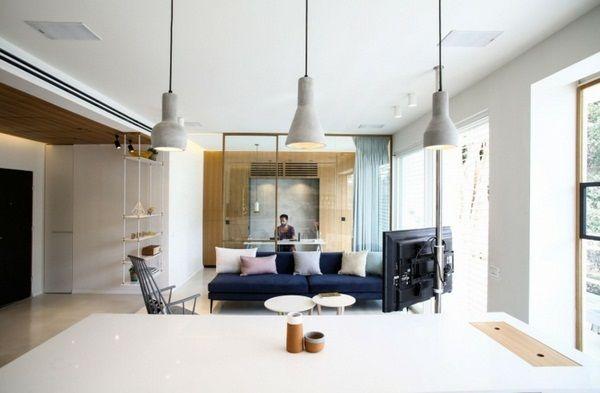 conception de la cuisine avec des étagères de tuiles effet patchwork planer plafond en bois