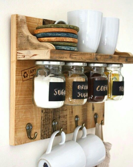 Pallet coffee cup station