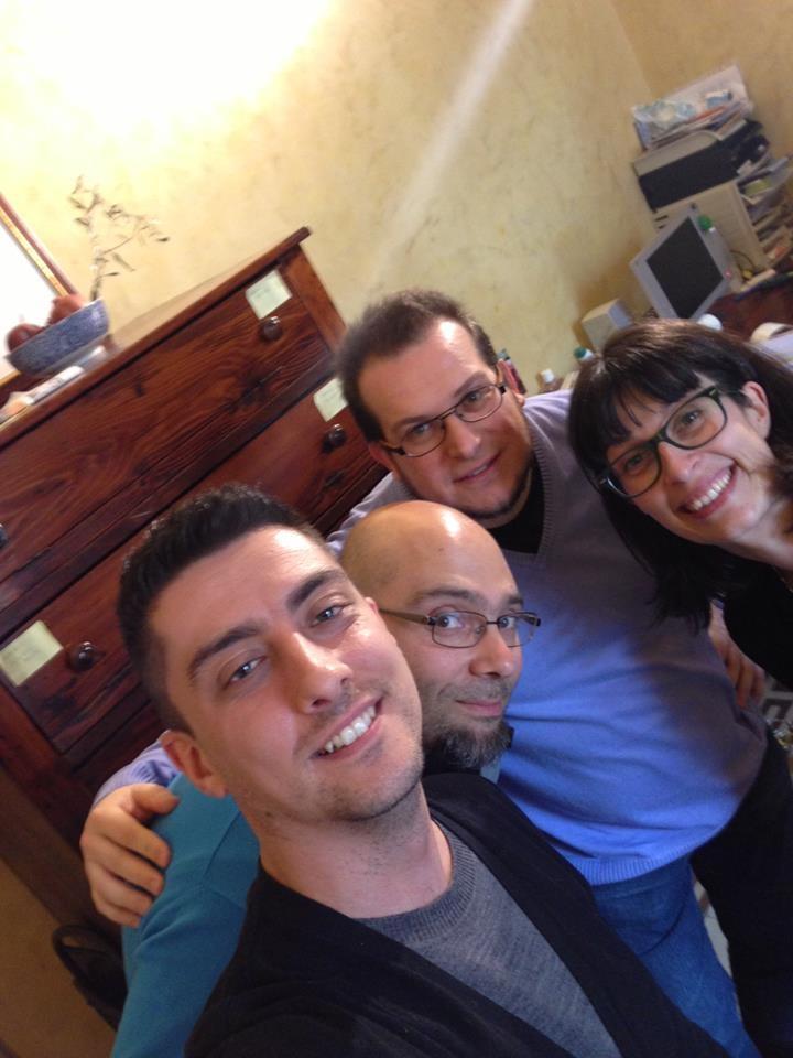 Matteo, Alessandro e Domenico insieme a Chiara Preziosi di Radio Arancia. La video intervista andrà in onda su TV Centro Marche domenica alle 15 e in replica alle 23.45. Stay tuned!