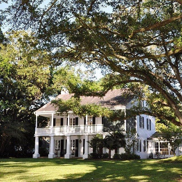 Outfit A Southern Plantation Style Home: 17 Best Ideas About Southern Plantations On Pinterest