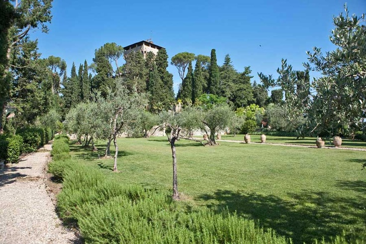 Wedding in Italy, Tuscany Castle - Garden and Castle