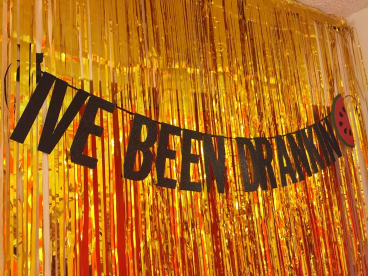 Show me one person who doesn't like Beyonce...that's what I thought! Everyone loves Beyonce. I mean call me crazy in love (see what I did there?) but why wouldn't someone want to throw a Beyonce themed party? Exactly. So I'm here to show you what we did to put together a Beyo