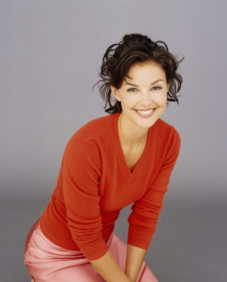 Ashley Judd....who I think is one of the prettiest faces in Hollywood!! Natural Beauty