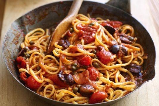 Gino's linguine alla puttanesca recept! Kijk voor het recept op http://www.lovefood.com/guide/recipes/11754/gino-de-acampos-linguine-alla-puttanesca#.