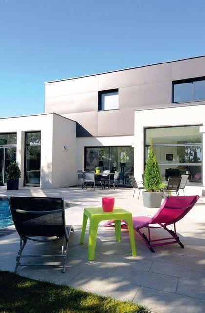 Une maison moderne, pratique et écologique avec piscine façades - Plan Maison Moderne  Chambres