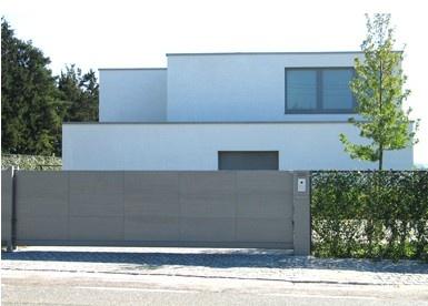 Moderne schuifpoort met haag tuin pinterest met - Modern stenen huis ...