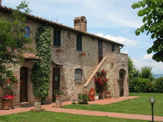 California country style homes country house podere for Italian country home plans