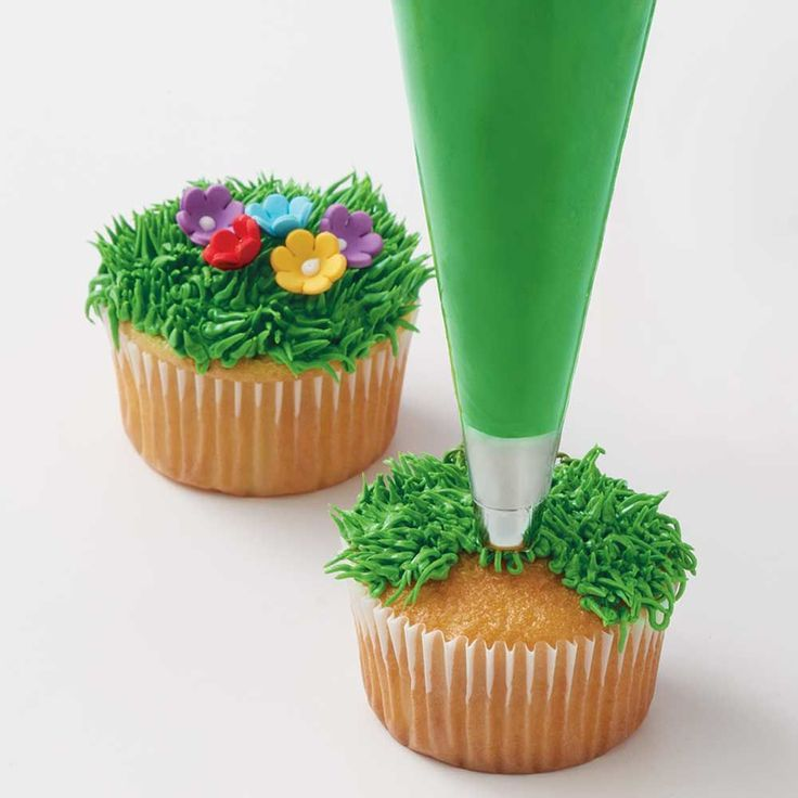 Cake Decorating Making Grass : 25+ best ideas about Grass cake on Pinterest Peppa pig ...