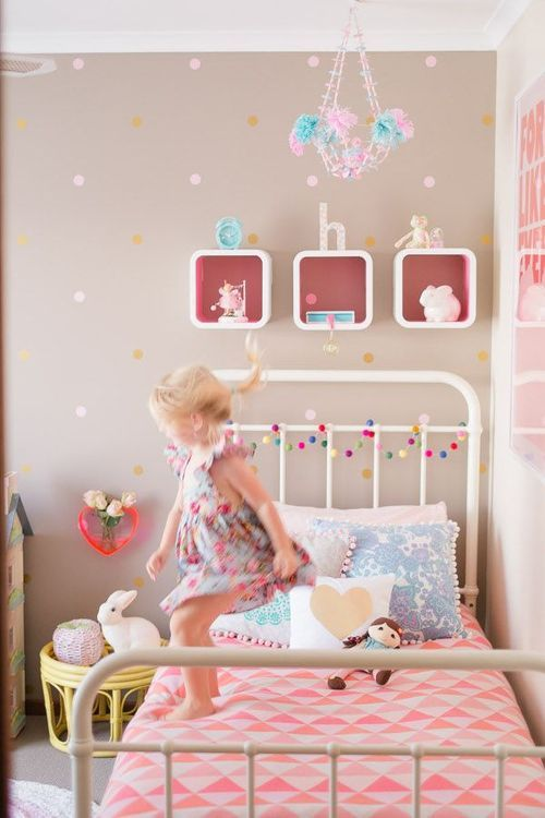 love the subtle polka dots. super girly. cute chevron bedding
