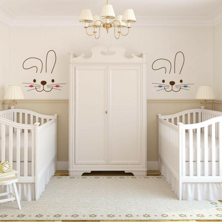 Babyzimmer Gestaltung im Landhausstil   Zwillinge babyzimmer, Zwillings kinderbett, Neutrale ...