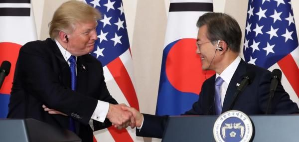 The presidents of South Korea and the United States agreed Tuesday to completely remove the limit on the payload of South Korean ballistic…