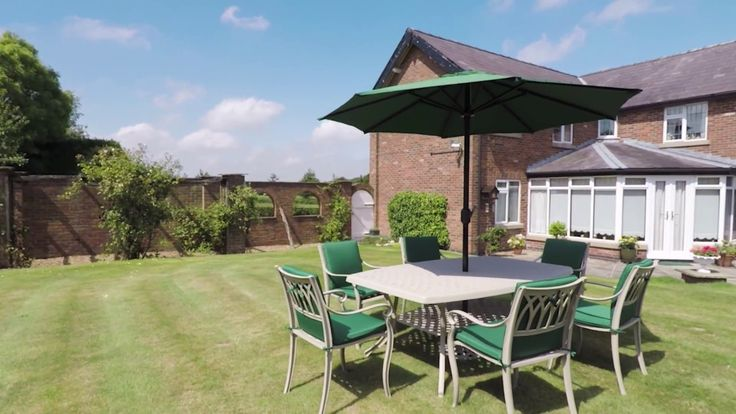 Cast Aluminium Garden Furniture - Sandringham 8 seats