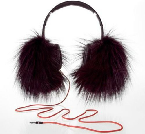 BEATS BY OSCAR DE LA RENTA HEADPHONES  Excuse me, but what? Does this type of headphone fabulousness really exist?! Legendary fashion designer Oscar de la Renta has partnered with Beats by Dr. Dre to produce a fab pair of fox fur headphones. The perfect way to stay fashionable while keeping your ears warm and jamming out to the latest tunes this winter. The beats will be available for $695 - for more info head over to www.oscardelarenta.com.