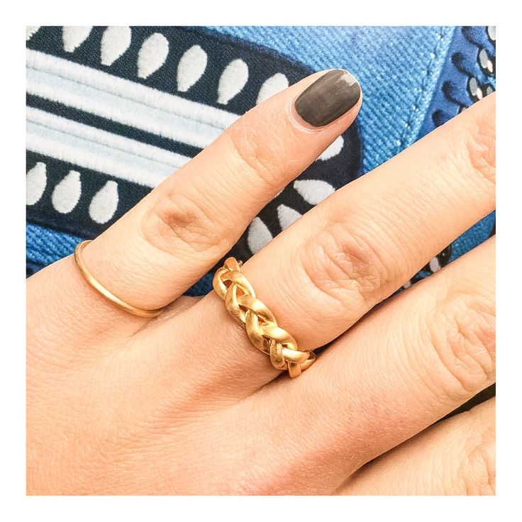 Simple god essentials >> http://www.janekoenig.com/rings/gold-plated-silver.html