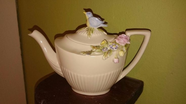 LOVELY COLLECTORS BIRD FINIAL TEAPOT BY BRIAN O SULLIVAN IRELAND