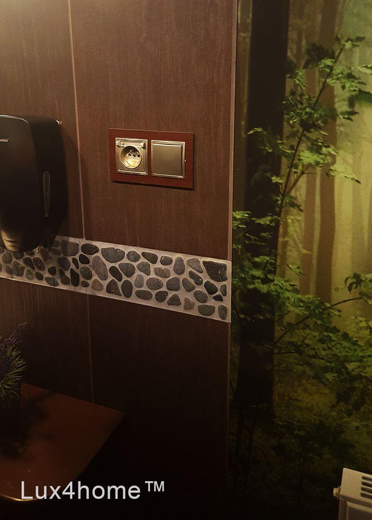 Dekory z otoczaków Bali Black Grey produkujemy z tych samych kamieni co mozaiki kamienne z otoczaków Bali Black Grey 30x30 cm. Plastry otoczaków dekor mają rozmiar 10x30 cm lub 15x30 cm. Produkujemy także inne kolory w wersji mozaiki lub dekory z otoczaków.  #dekory #otoczaki #mozaiki #mozaika #kamień #mozaikakamienna #otoczakinasiatce #podloga mozaikikamienne #otoczak #Lux4home #lazienki #pomyslynawnetrza