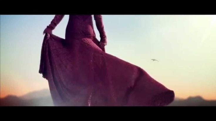 """Najoua Belyzel - """"Luna"""" [Clip officiel - Version Electro]"""
