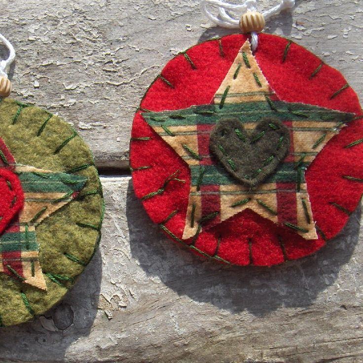 Habitmade Studios Colección Primitivo | Alfombras Penny, Mats vela y el arte popular caprichosos adornos de navidad