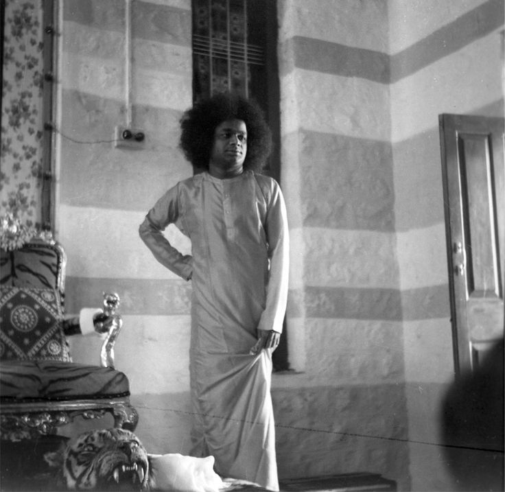 Sathya Sai Baba at the old bhajan hall in 1960s.