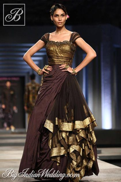 Shantanu Nikhil cocktail gown
