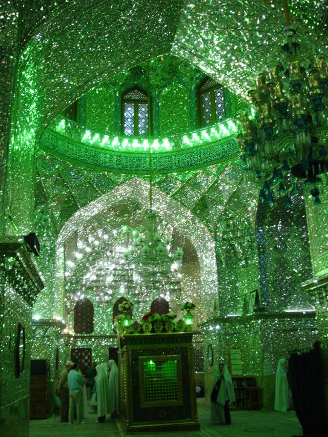 http://japan.digitaldj-network.com/articles/32732.html イランのモスク「シャー・チェラーグ廟 (Shah Cheragh)」 Shah-Cheragh-03.jpg (via. Seewhy Double U)