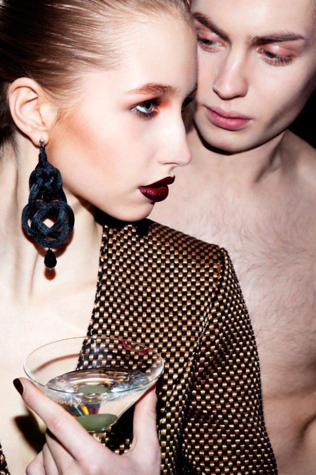 Collezione P/E 2013 Orecchini Alamari Indossati dalle modelle della Stilista Maddalena Mangialavori al Fashion Week di Londra #summer  #angybijoux  #style  #chic  #glamour  #fashion  #mode  #foto_italiane #moda  #bijoux  #bijouxluxury  #trend  #Alamari #earrings  Seguici anche su Facebook: Angy Bijoux