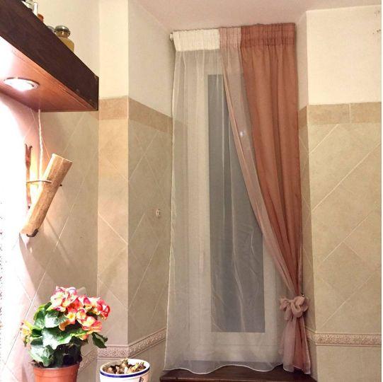 SPAZIO AI VOSTRI PROGETTI! Idee tendaggio realizzate da Idea Tenda. Località: Roma (RM).  Condividono con noi una splendida tenda da bagno realizzata con tendaggi CTA: raffinata ed elegante!  Visita il nostro sito www.ctasrl.com e scarica le nostre brochure su: http://bit.ly/1nhrLQM #tessuti #interiordesign #tendaggi #textile #textiles #fabric #homedecor #homedesign #hometextile #decoration