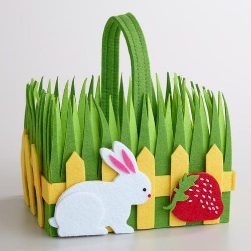 Una ricca ispirazione di lavoretti per Pasqua in feltro. Tante idee colorate, simpatiche ed originali da creare facilmente anche insieme ai bambini!