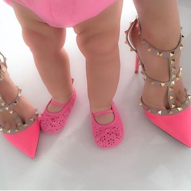 #goals . . . . . . . . #fashion #fashiondiaries #fashionista #туфли #iloveshoes #fashionaddict #sandal #instaheels #heels #shoegame #shoestagram #stiletto #shoeoftheday #fashionblog #beautiful #girly #instapic #instalove #streetstyle #fashionblogger #موضة #ヒール #패션
