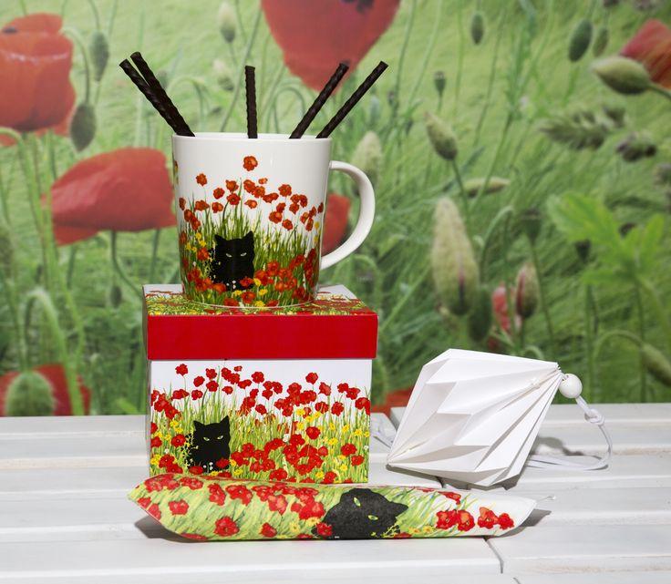 Trend Mug Gift Box Black Cat Poppies + Black Cat Poppies Napkin #ppd #paperproductsdesign #poppies #mohnblumen #flowers #blumen #blackcat #cat #katze #animals #tiere #designer #sueboettcher