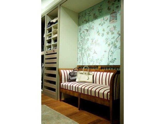 #PascalDelmotte #interiordesign #home #design #decorating #residentialdesign #homedecor #colors #decor #designidea #bench #wardrobe