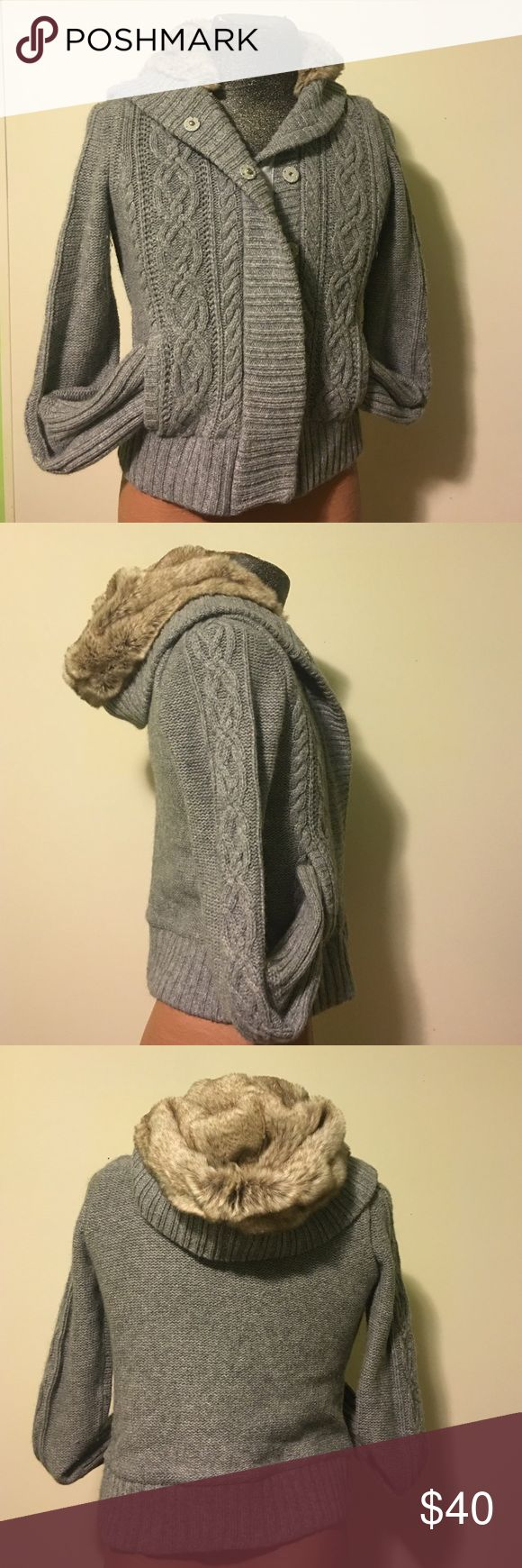 American Eagle outfitters sweater American Eagle outfitters sweater very good condition size medium no stains rips or holes American Eagle Outfitters Jackets & Coats Blazers