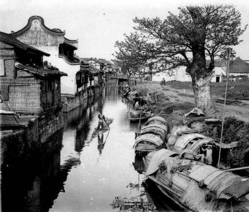Creek in Shanghai :: Pacific Rim Archive