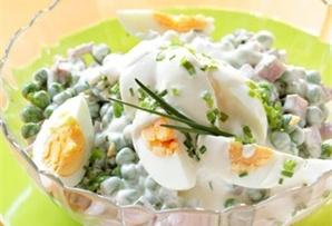 Jajka w sosie majonezowym / Eggs with Mayonnaise Sauce doprawione według upodobań, zaskarbią sobie serca wszystkich, również wymagających, gości.