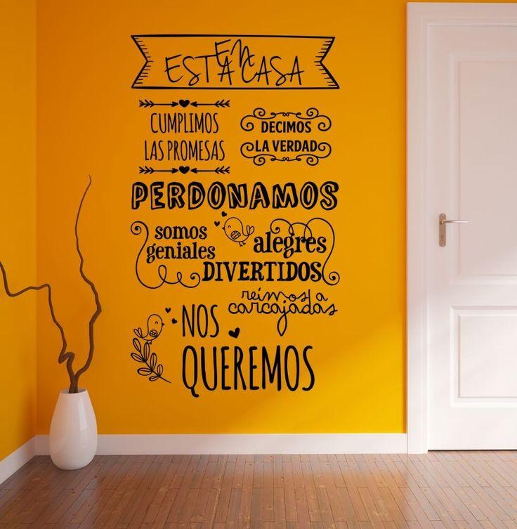 Vinilo ideal para decorar el recibidor de tu casa. Original, alegre, con bonitos mensajes sobre la familia que la habita con un diseño al estilo vintage. ¡Sorprende a tus visitas!