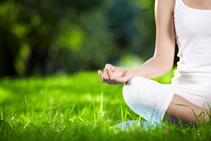 Deepak Chopra's Meditation Cleanse: Detox from Stress in 21 Days: The ancient practice of meditation helps you develop a heightened sense of awareness that brings calm and other health benefits.