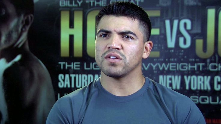Former World Champion Victor Ortiz Returns to Battle Mexico's Saul Corral in Main Event of Premier Boxing Champions on FS1 & FOX Deportes Sunday, July 30 from Rabobank Theater in Bakersfield, California