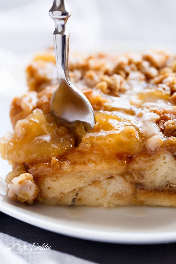 TWO desserts collide into one irresistible breakfast with this Apple Pie French Toast Bake! This casserole, also known as bread pudding, is a family favorite breakfast!!