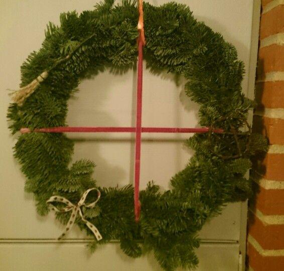 My pagan pine wreath. En dejlig hedensk jule krans.