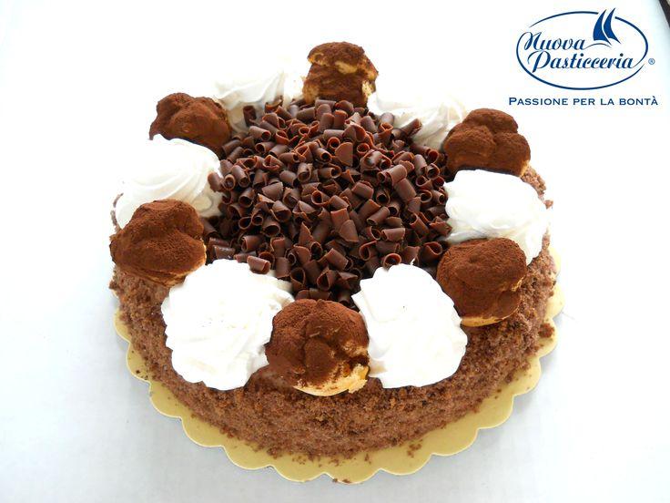 Da qualche parte, là fuori, è sempre il compleanno di qualcuno. Per questo c'è sempre un buon motivo per mangiare una #torta :P Qua trovate alcuni nostri suggerimenti sfiziosi!