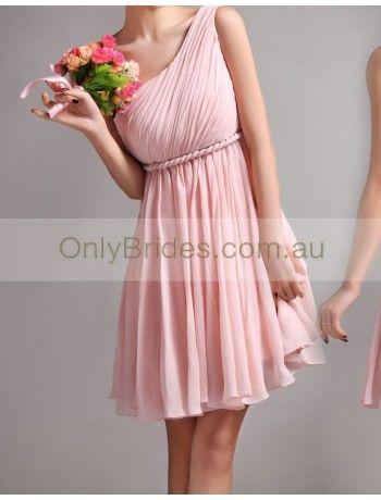 I like this look!!! I like the flowy bottom of the dress! :D