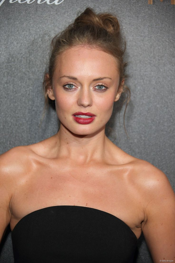 38 best images about laura haddock on pinterest - Laura nue ...
