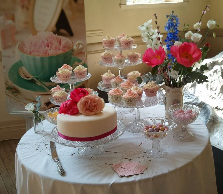 wedding cake tables | The London Vintage Wedding Fair | Vintage Flair – Vintage Tableware ...