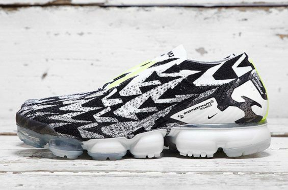 0dcfcad0e11e A Better Look At The ACRONYM x Nike VaporMax Moc 2