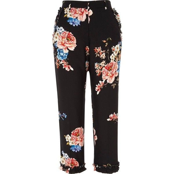 River Island Black floral print ruffle cropped pants (4.655 RUB) ❤ liked on Polyvore featuring pants, capris, black, cropped trousers, women, tall pants, flower print pants, ruffle pants, river island and floral crop pants