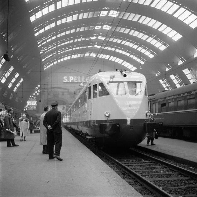 Milano Centrale ETR 200 by Ferrovie dello Stato, via Flickr