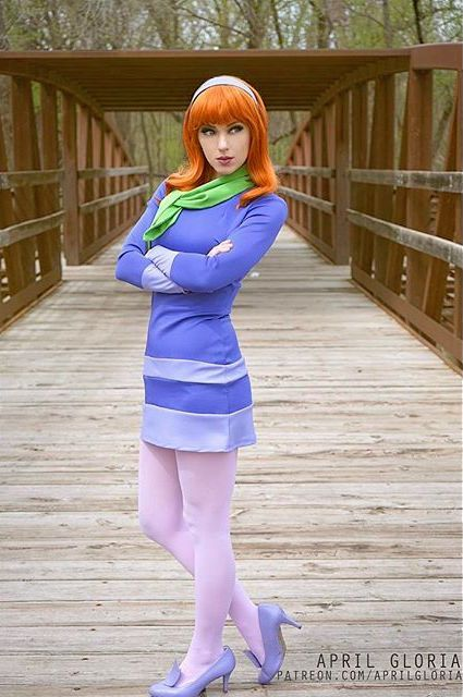 Ideas & Accessories for your DIY Scooby Doo Daphne Halloween Costume Idea
